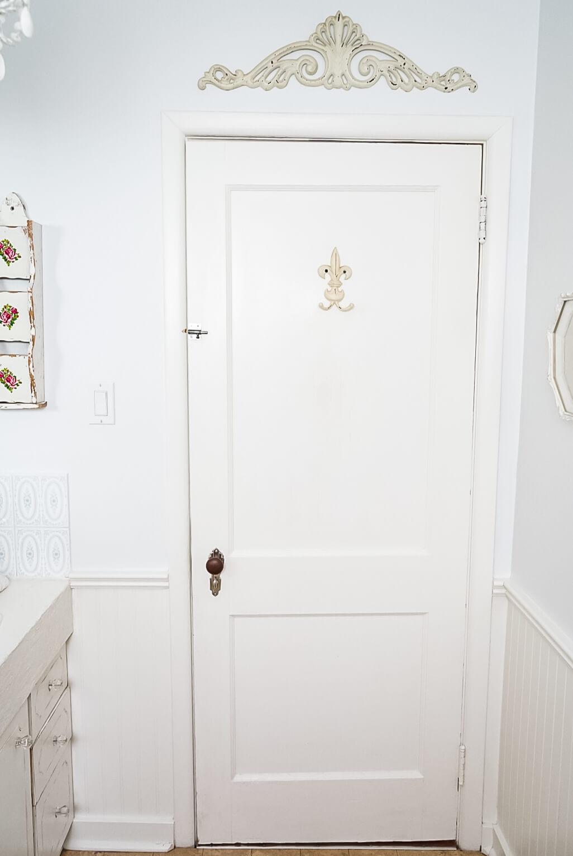 Renovating-A-Tiny-Bathroom-1