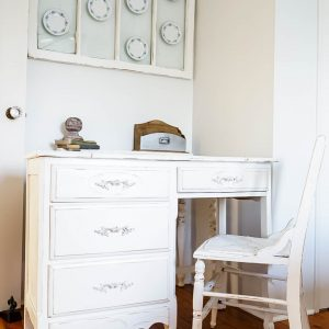 Shabby-chic-desk-chair