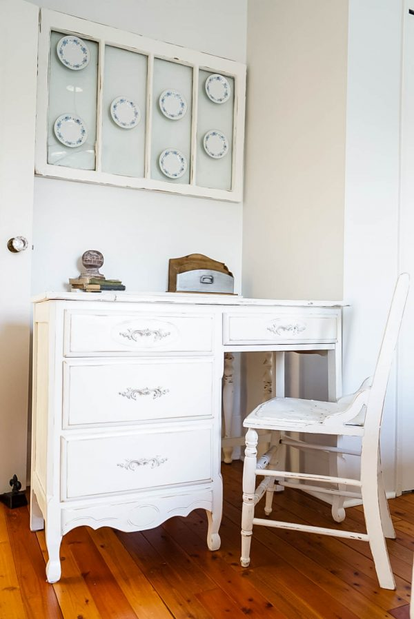 Shabby-chic-desk-chair