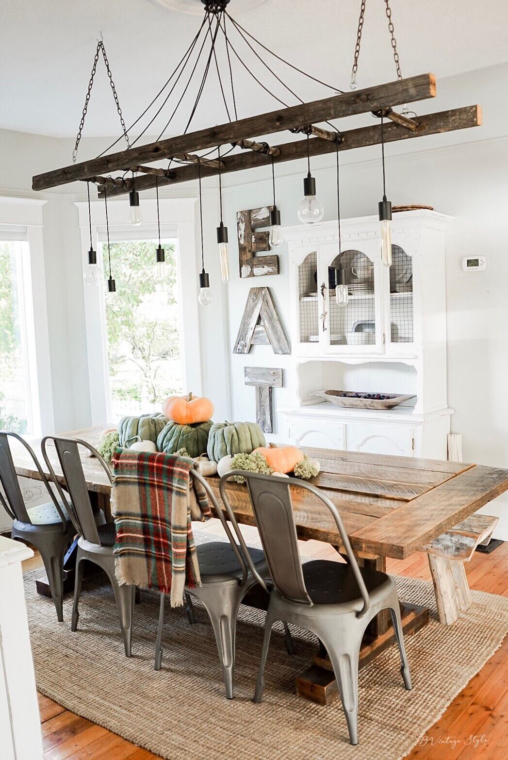 fall farmouse decor dining room