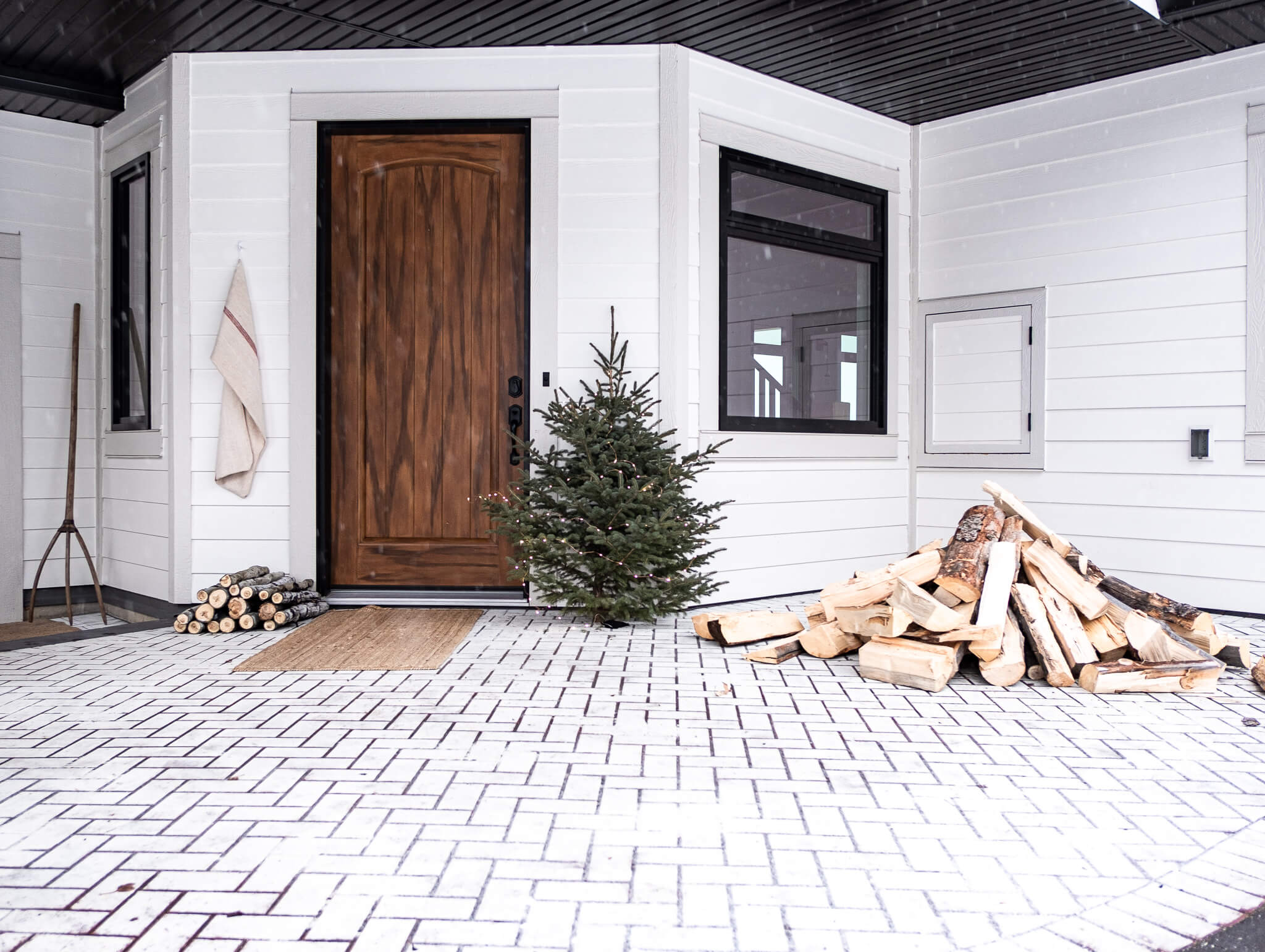 Winter Decorations on your front porch