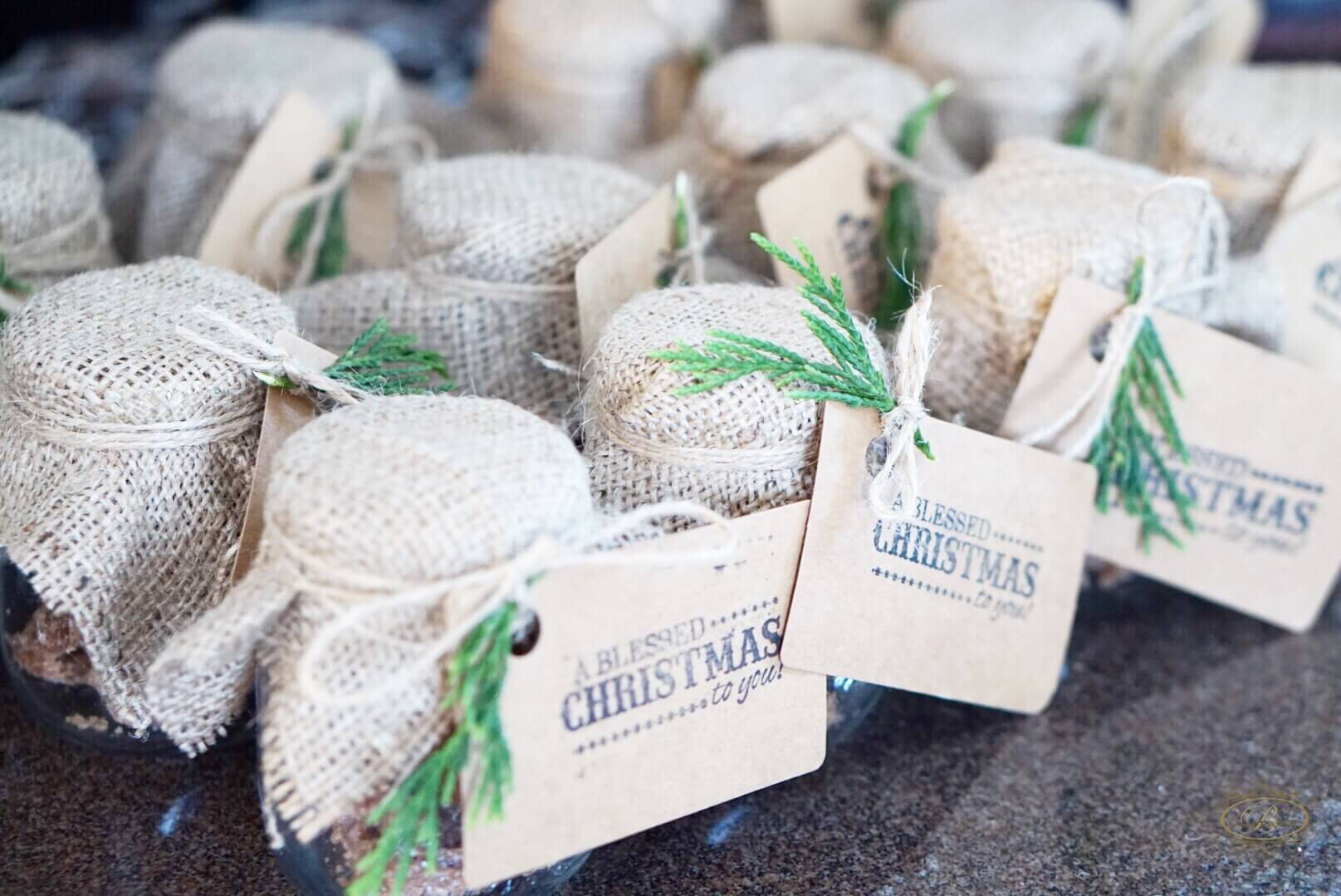 cute burlap packaging for holiday treats