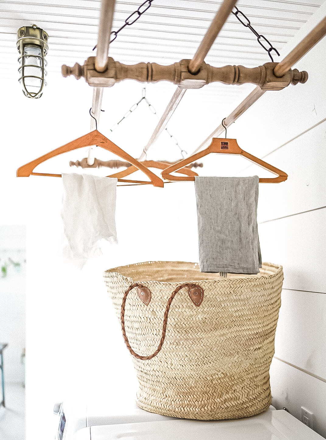 Drying rack and laundry basket