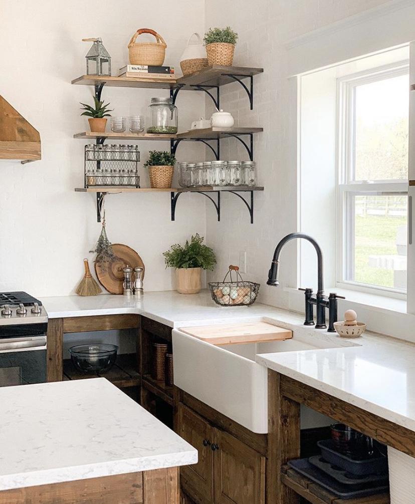 Sugar Maple Farmhouse kitchen sink