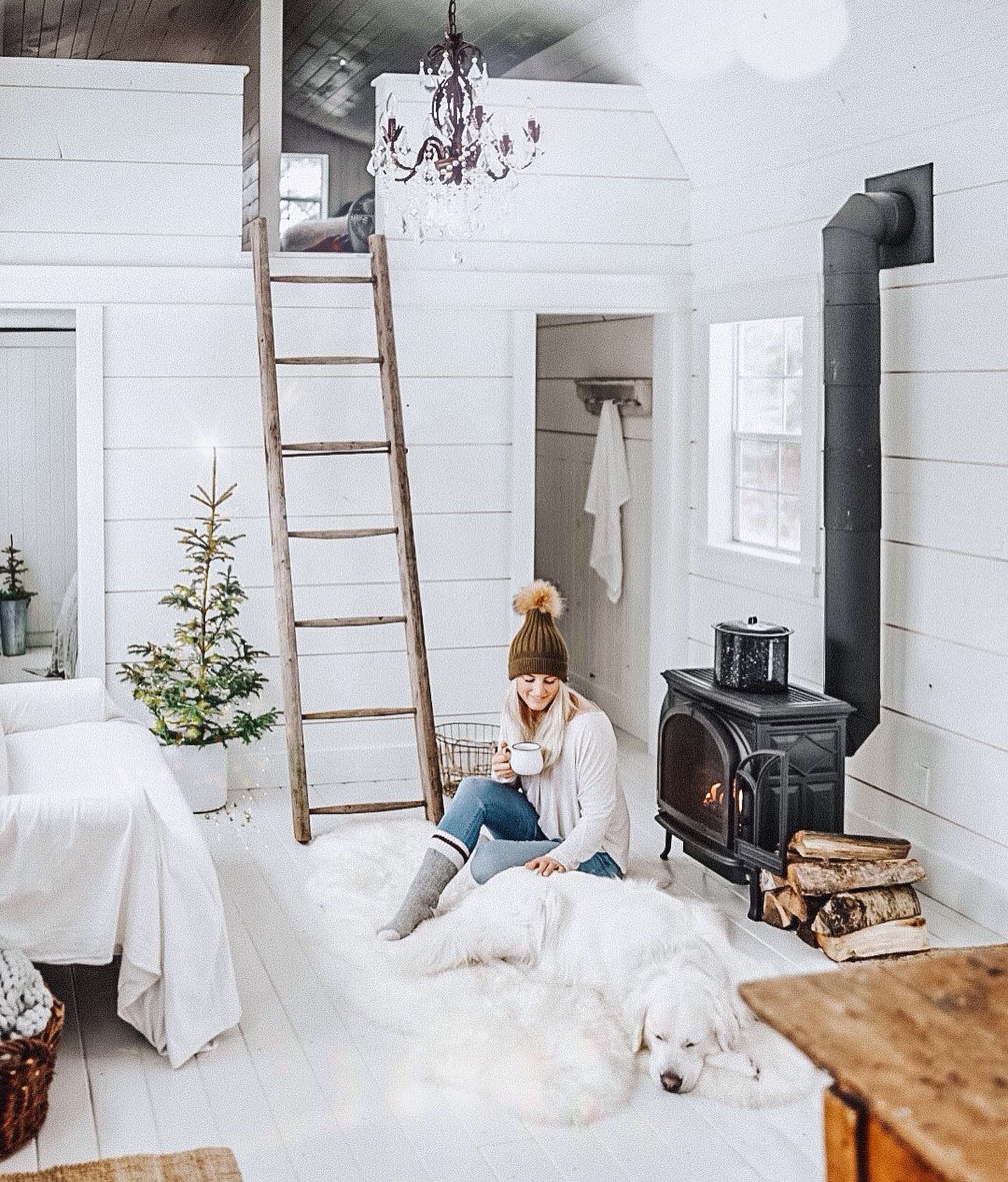 white paint colours B Vintage Style Tiny House